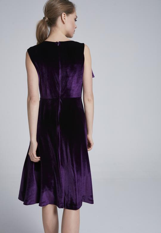 Önü Volanlı Elbise