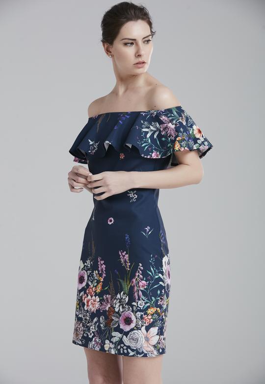 Yakası Volanlı Elbise
