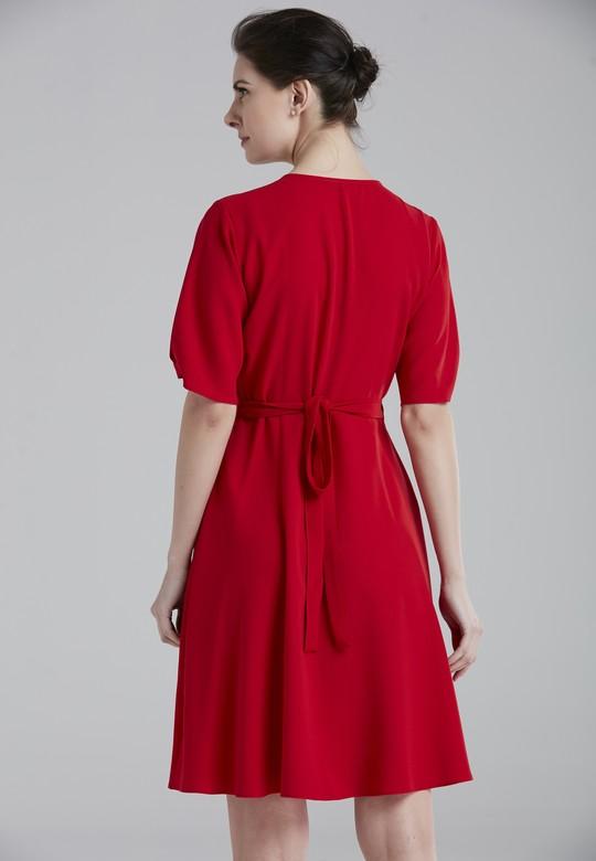 V Yaka Elbise