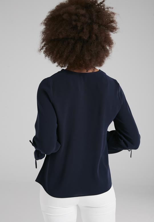 V Yakalı Bluz