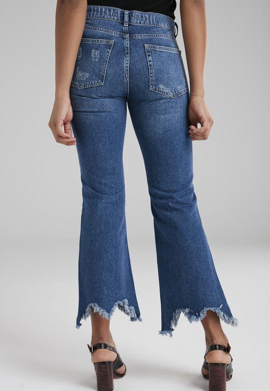 Paça Detaylı Jean