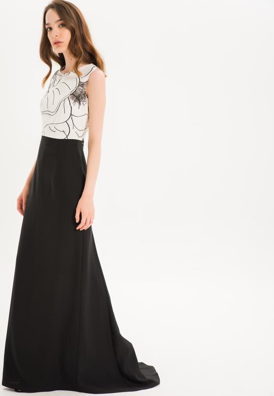 Omzu Biye Detaylı Elbise