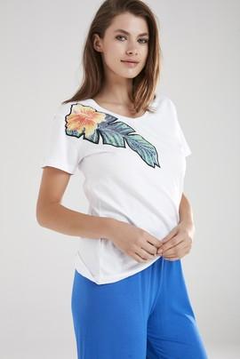 V Yakalı Tişört