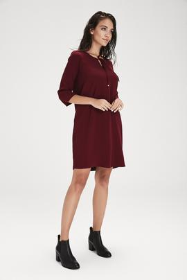 Yakası Bagcıklı Elbise