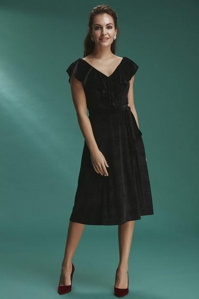 V Yaka Kadife Elbise