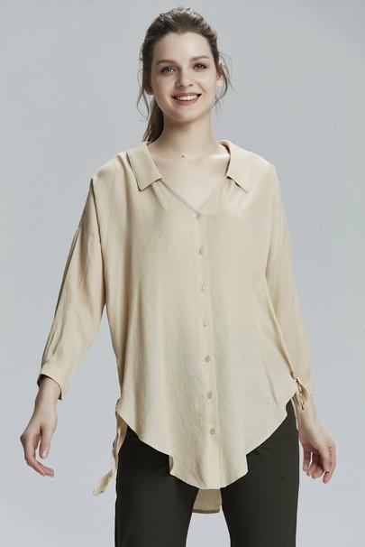 V Yakalı Gömlek