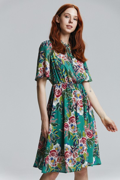 Kısa Kollu Desenli Elbise