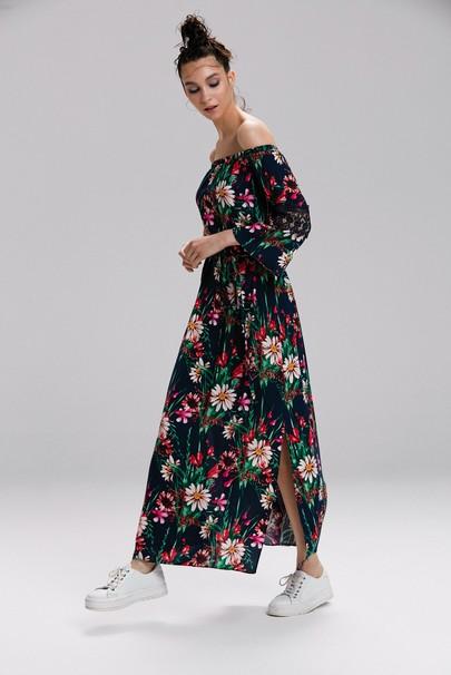 Yakası Lastikli Elbise