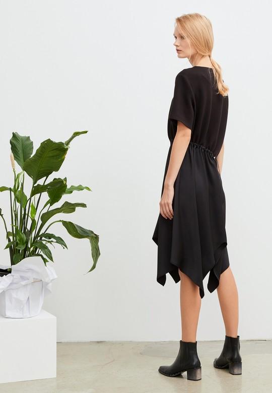 Büzgü Detaylı Asimetrik Elbise