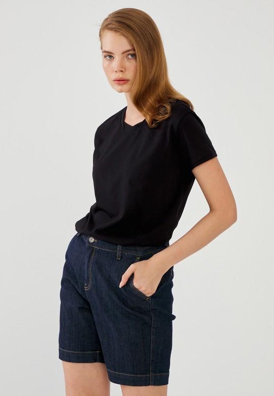 Burgu Yaka Basic Tişört