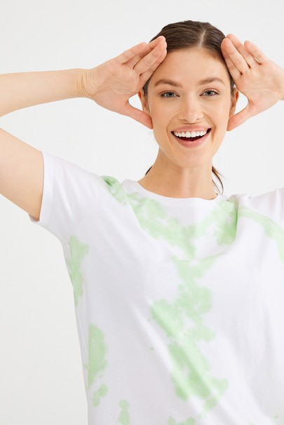 Batik Desenli Tişört