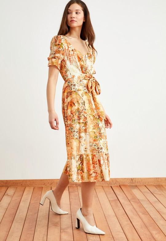 Arkadan Bağlamalı Desenli Elbise