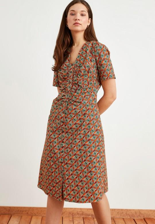 Önü Büzgülü Desenli Elbise