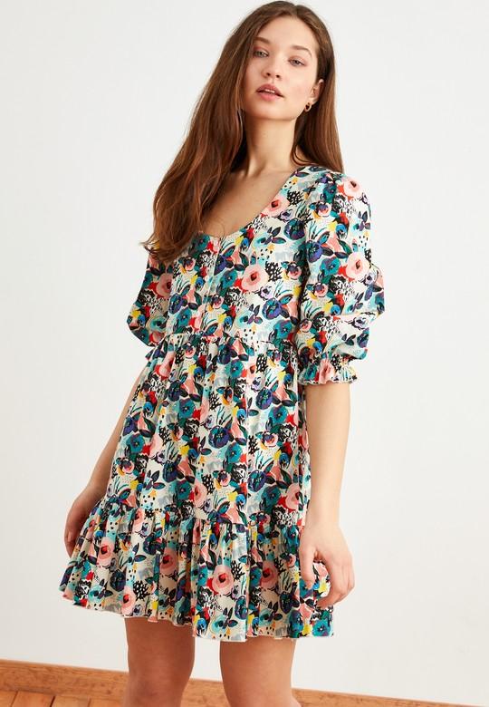 Sırtı Dekolteli Desenli Elbise