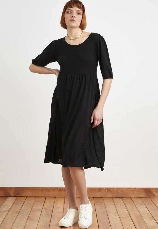 Büzgü Detaylı Triko Elbise