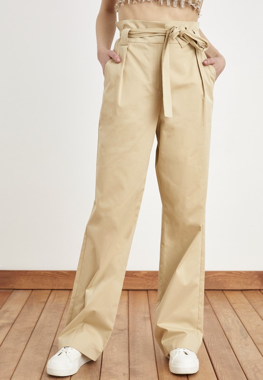 Pile Detaylı Kuşaklı Pantolon