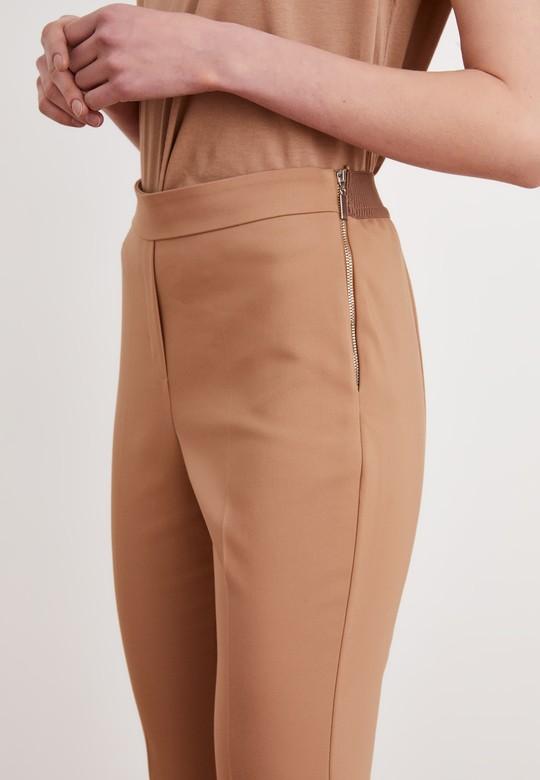 Yırtmaç Detaylı Lastikli Pantolon