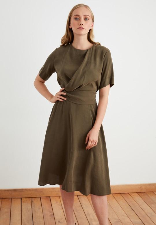 Pilili Katlamalı Elbise
