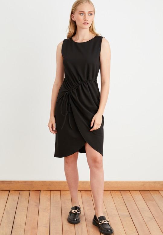 Ayarlanabilir Bağlamalı Kolsuz Elbise