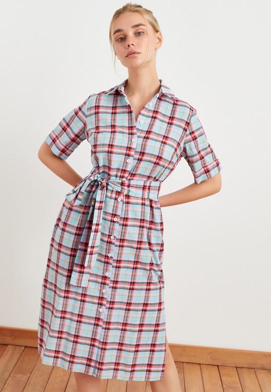 Beli Kuşaklı Ekose Desenli Elbise