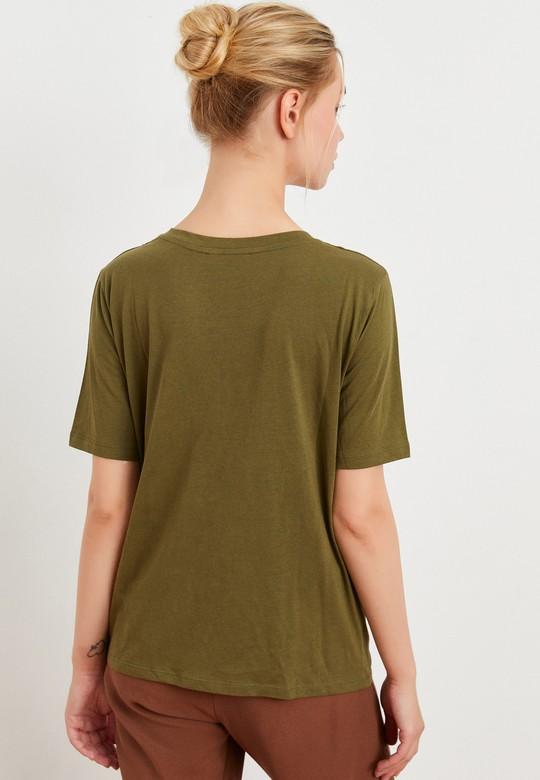 V Yaka Kısa Kollu Tişört