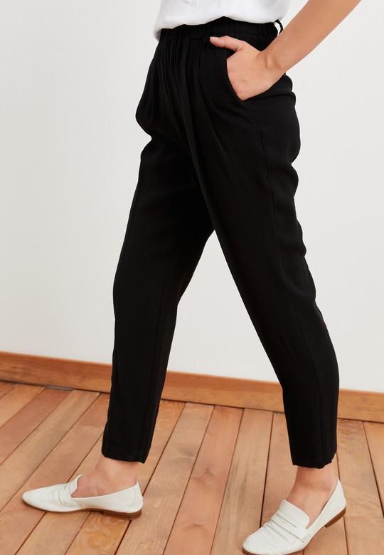 Beli Lastikli Pileli Pantolon